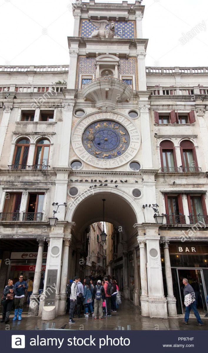 St-Marks-Clock-is-housed-in-the-Clock-Tower-on-the-Piazza-San-Marco-in-Venice-Italy-adjoining-the-Procuratie-Vecchie