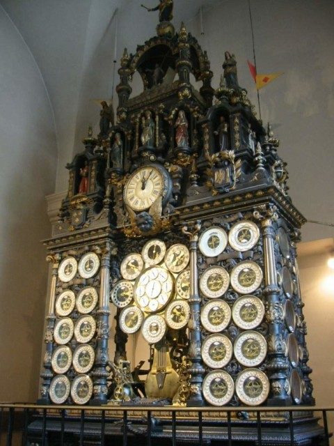The-astronomical-clock-in-Besancon-Cathedral