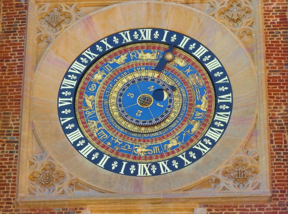 Hampton_Court_Astrological_Clock (1)